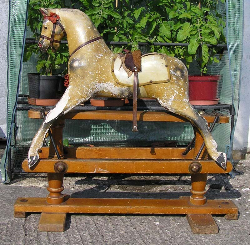 Sparrow - Lines rocking horse
